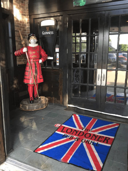 The Londoner Colleyville Beefeater COVID Mask
